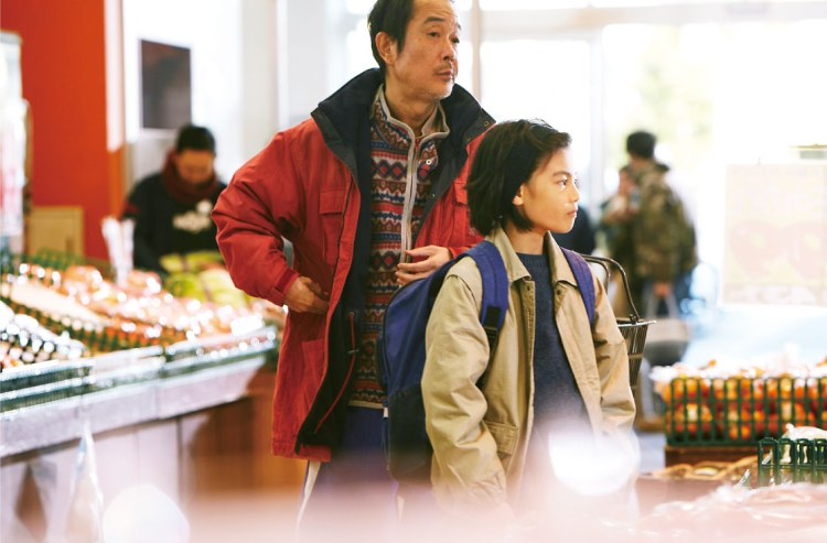 Shoplifters still 9